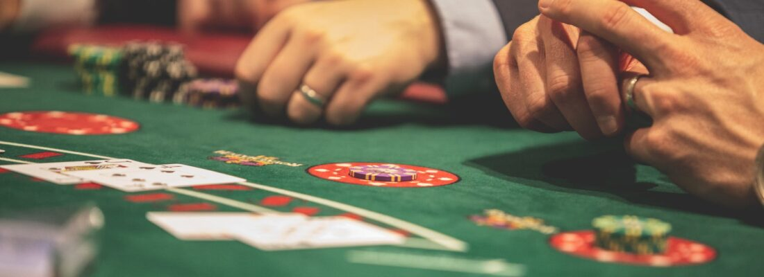 4 Types of Casino Games That You Can Play With Your Friend Or Partner