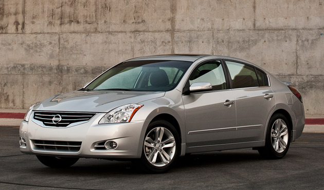 Brake Pads and Rotors You Need for a 2015 Nissan Altima